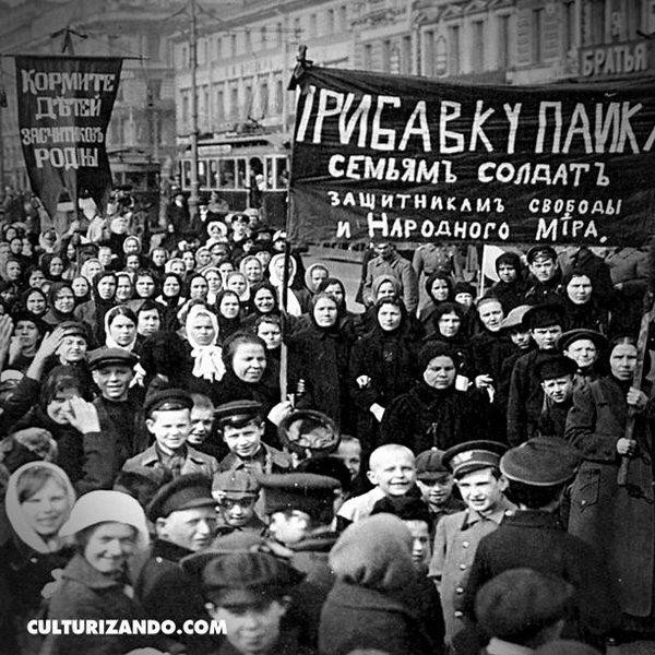 Resultado de imagem para No dia 8 de março de 1917 as trabalhadoras russas incendiaram o mundo!